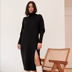 NWT Aritzia Wilfred Cyprie Sweater Dress in Black